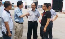 2014年8月15日县委书记朱东、县长、工业园书记刘祈虎莅临我公司视察、指导